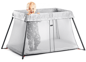 BabyBjorn манеж Travel Crib Light